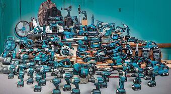 Značení bateriových vrtaček a dalších strojů Makita